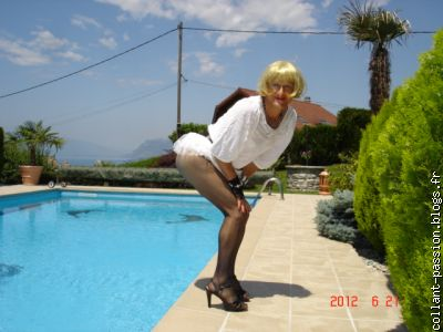 Emilie travesti amateur en collant